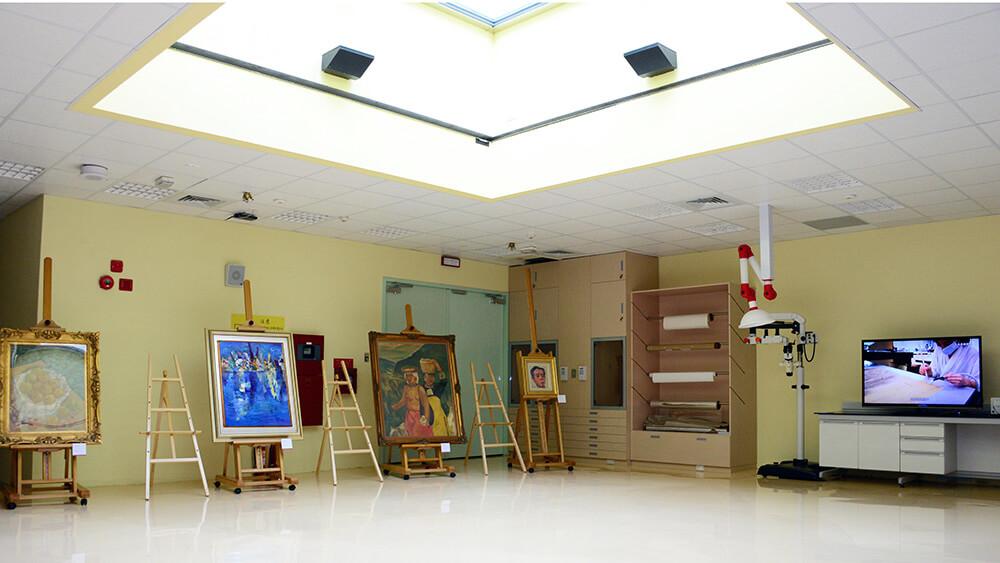 「世代傳衍-繪畫典藏保存修復研討會」邀請國內外專家探討修復技術的理論與實踐。圖/國美館提供。