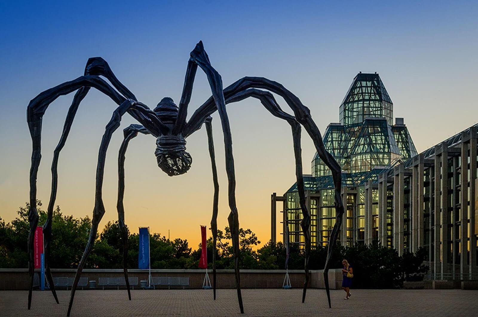 路易斯.布爾喬亞,《Maman》(Spider Sculpture),1999。圖/取自flickr。