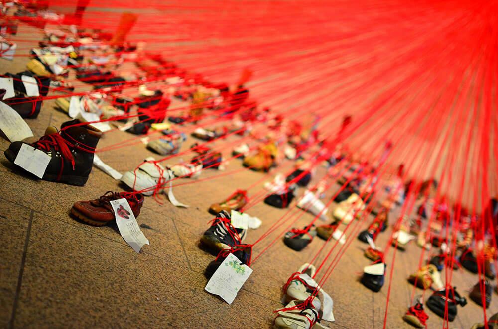 塩田千春,《Perspectives》。圖/取自flickr。