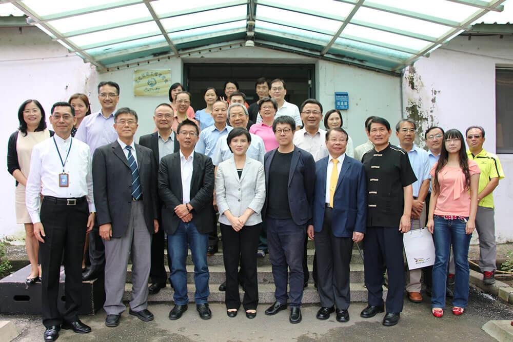 文化部長鄭麗君、政務次長蕭宗煌、籌備處同仁及與會貴賓合影。