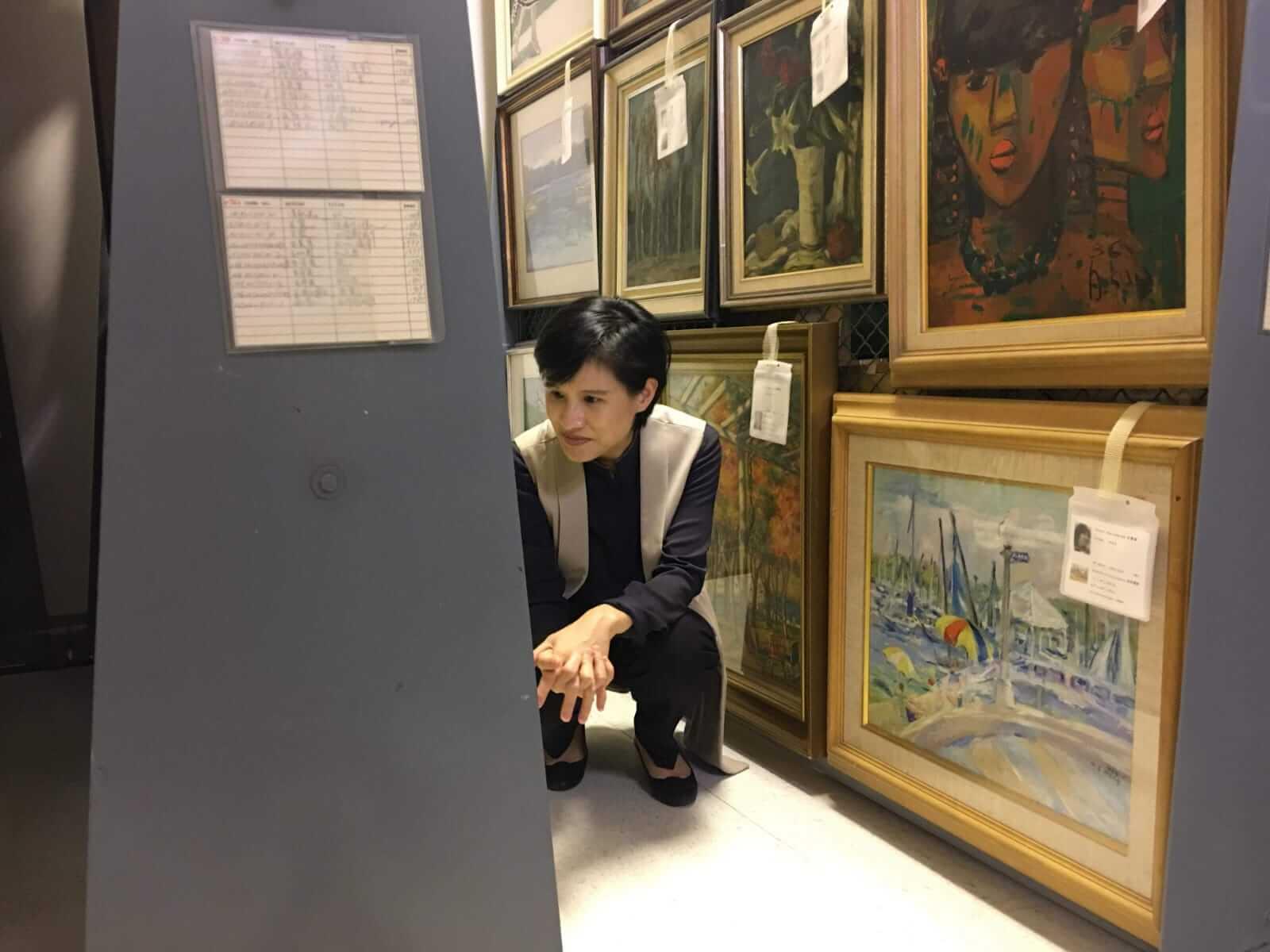 鄭麗君部長參觀順天美術館。圖/文化部提供。