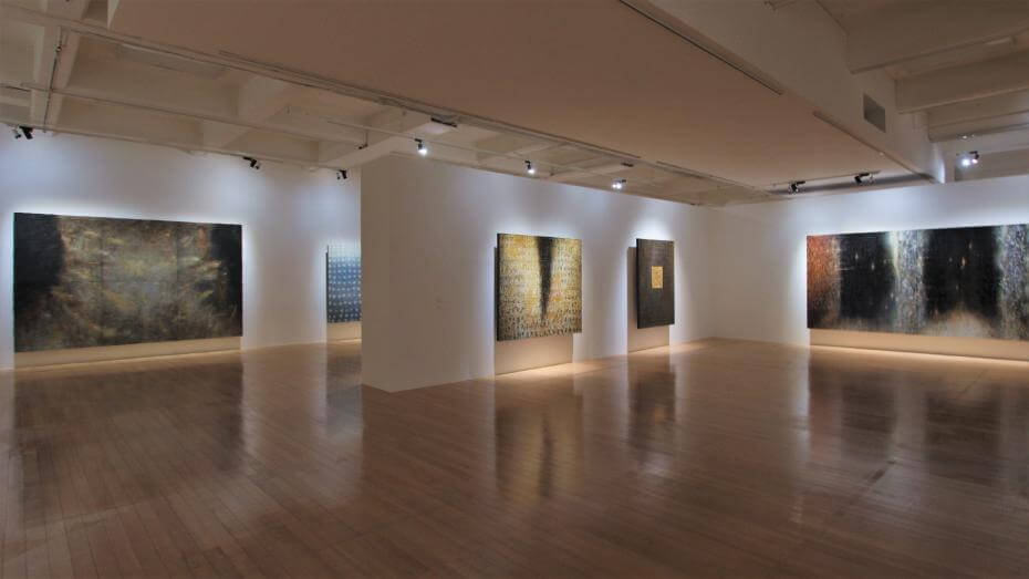 北美館《江賢二回顧展》 從封窗的租屋到晴朗的海岸線